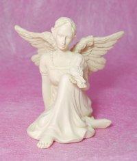 天使の置物☆(鳩と見つめ合う天使)