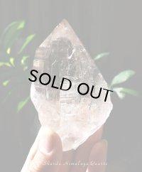 神聖な宝石質トライゴーニック入りスカルドゥ産ヒマラヤ水晶◇